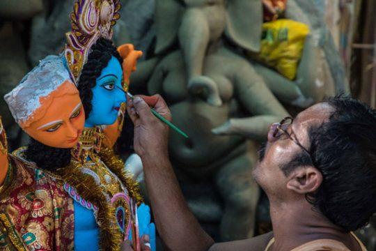 Sculpting the Divine in Kumortuli