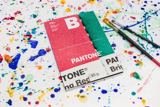 Magazine B – Pantone